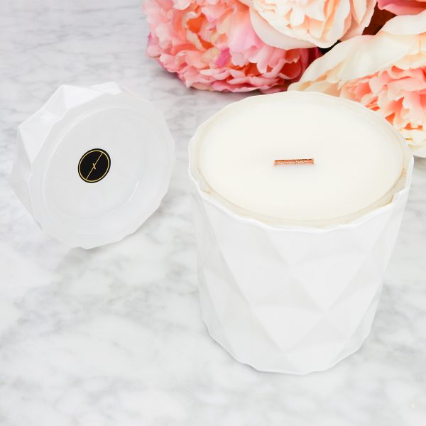 LUXAH MySoySister WHITE geo candle