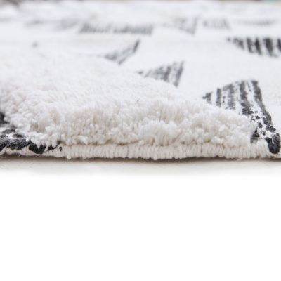 Black and White Traditional Rug