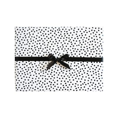 LUXAH // Select your preferred Gift wrap at checkout