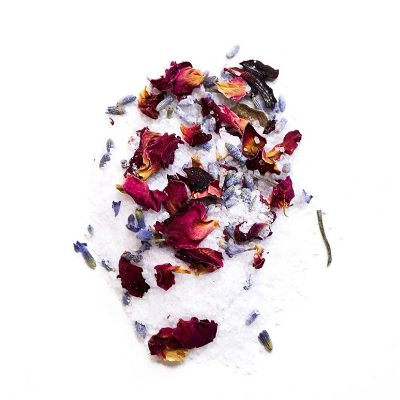 NINA BAILEY // Natural Botanical Hibiscus Bath Soak