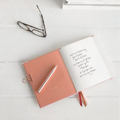 EMMA KATE CO. Emma Kate Co. Blush Weekly 2019 Planner