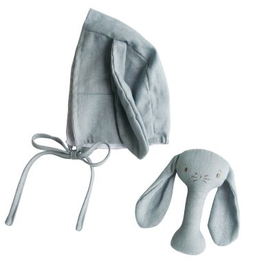 ALIMROSE // Grey Bobby Bunny Bonnet and Rattle Set